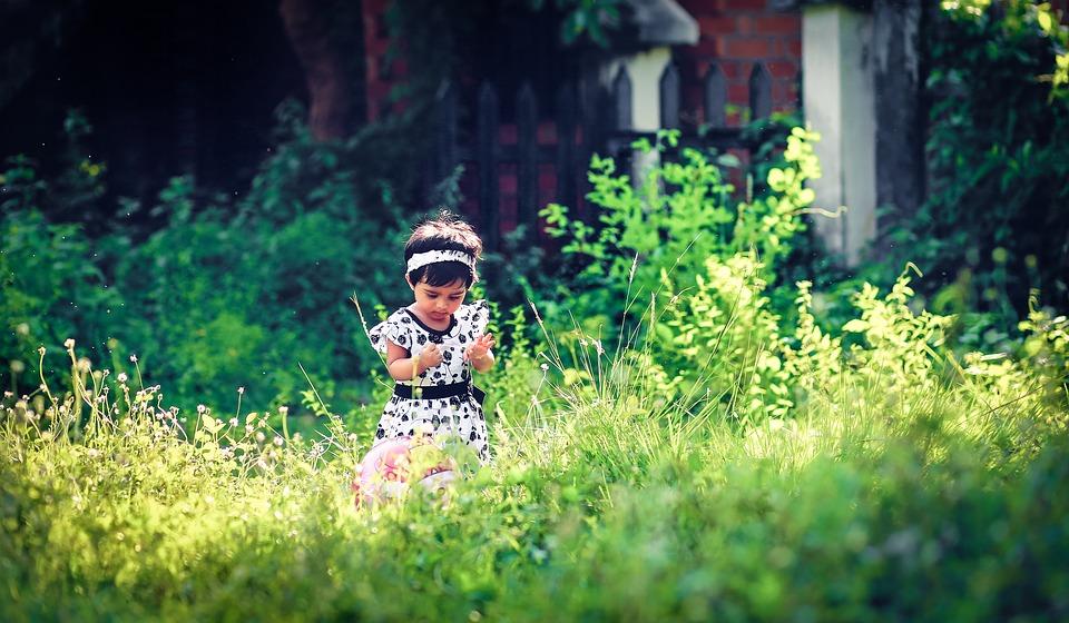 Gyngeheste er med til at styrke dit barns udvikling